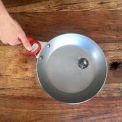 Frigideira em Ferro Mineral B com pega extraível de Buyer