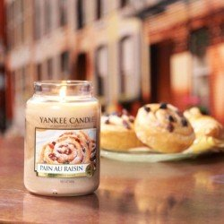 Vela Yankee Candle pain au raisin en uso