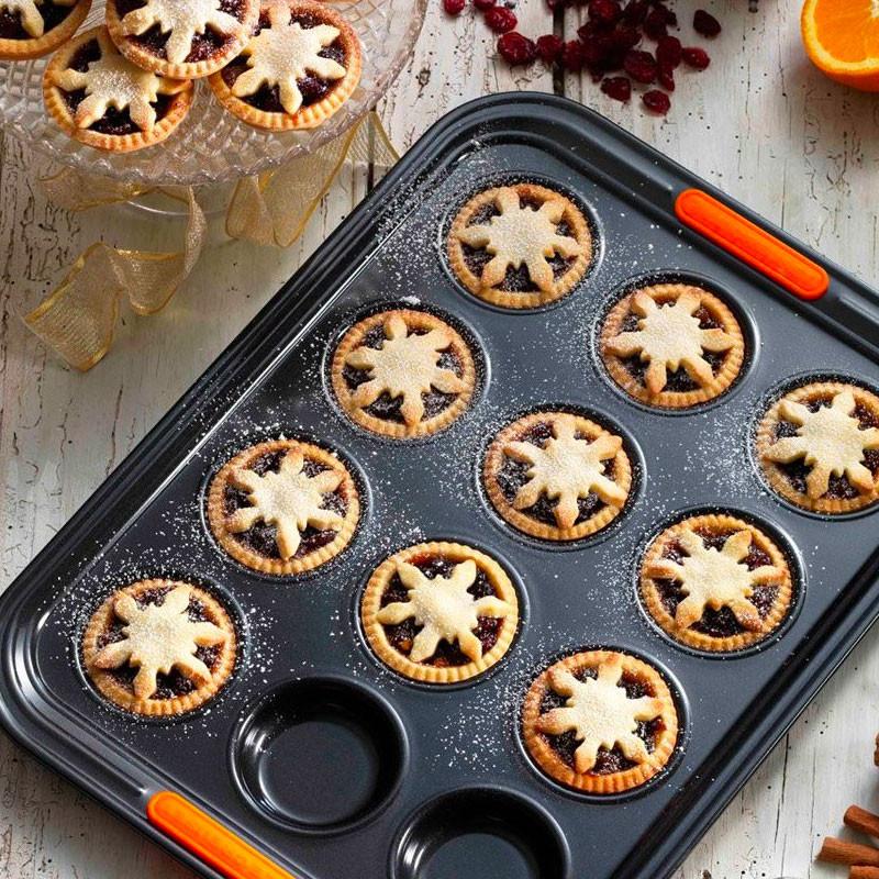 Le Creuset Bun Kekse und Tortenform